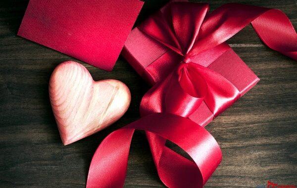 Giftexpress.ro – Daruind iubire o primesti inzecit