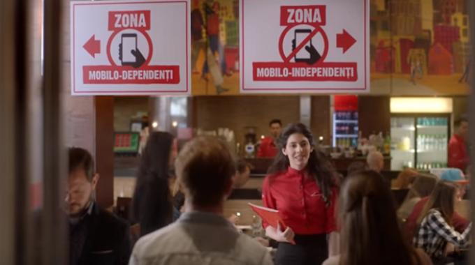 O pizza umpluta si pe margini sau touch-ul telefonului?
